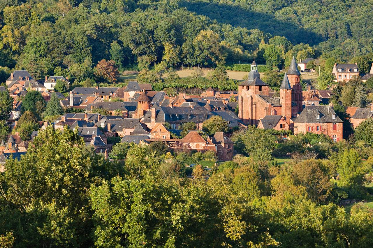 Collonges-la-Rouge vue d-ensemble  © Pierre SOISSONS