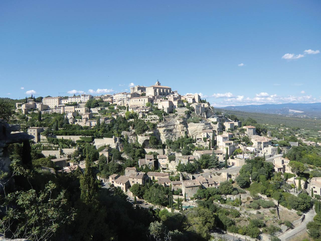 Gordes vue d-ensemble  © A. Touchard
