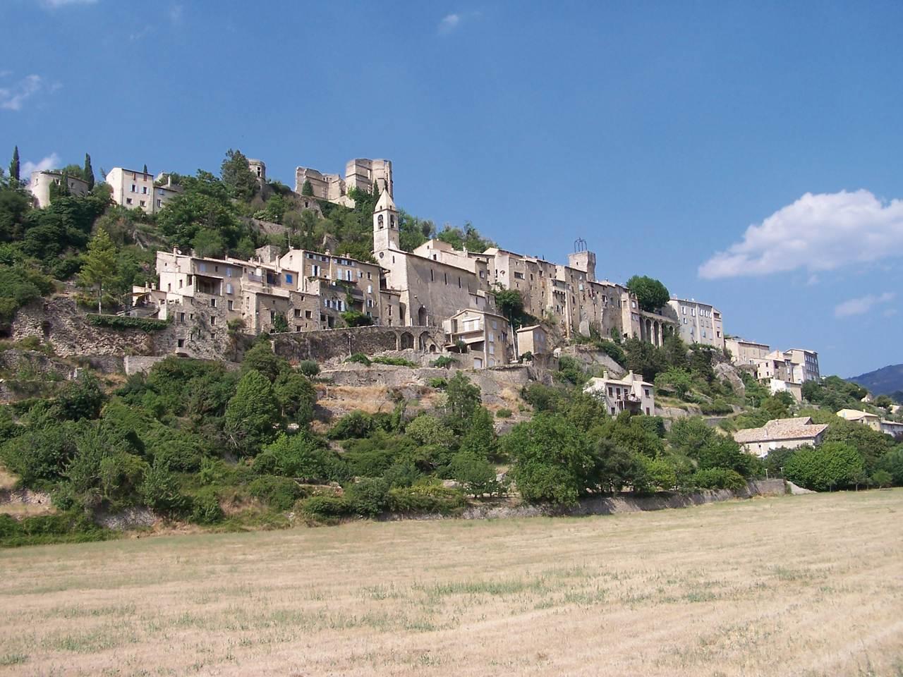 Montbrun les bains dr me les plus beaux villages de france - Office du tourisme montbrun les bains ...