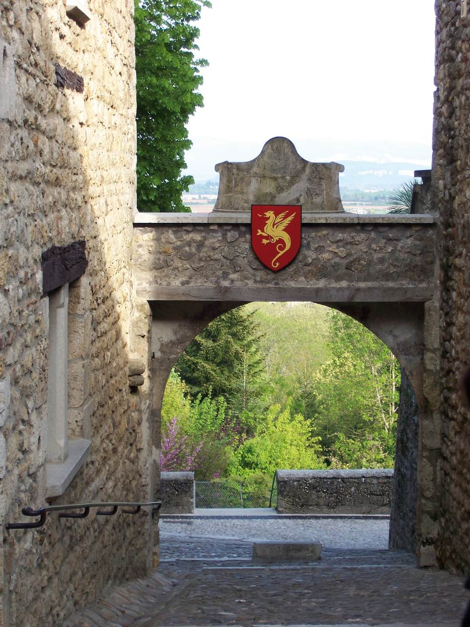 P rouges ain les plus beaux villages de france for Les plus beaux villages des yvelines