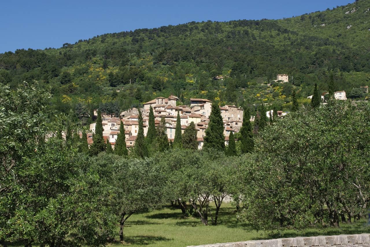 Seillans var les plus beaux villages de france - Les plus beau village du var ...